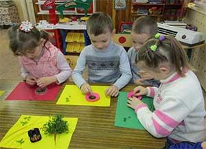 Нетрадиционные виды рукоделия в детском саду. Бисероплетение. Мастер-класс по изготовлению подарка - ёлочка из бисера.