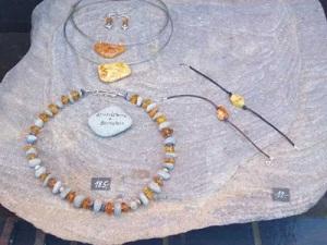 Ожерелье из галек