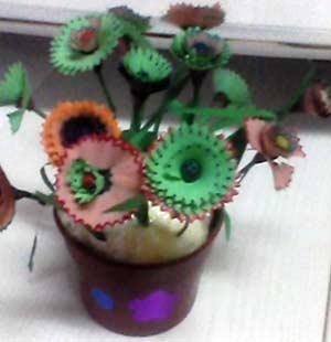 Мастер-класс по развитию творческого воображения. Занятие аппликации ко Дню матери «Цветы с вазой»