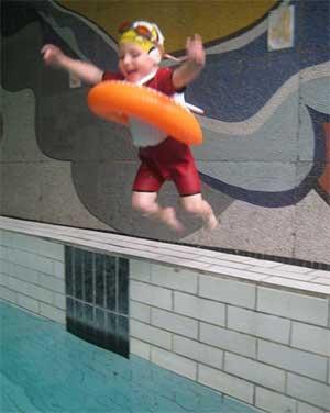 Адаптированная программа Обучение детей плаванию в детском саду